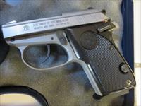Beretta Tomcat .32 Inox NIB RARE 3032 J320500 7+1 One Mag Hard to Get Tip-Up