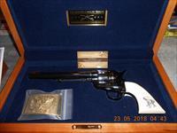 Uberti General Geo. Custer 7th Calvary w/Case Colt 45 Unfired