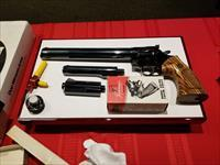 Complete Dan Wesson model 15-2 with everything! Mint!