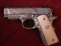 Colt Defender 45,3