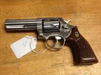 Taurus model 431 44 special 4in stainless like s&w 686