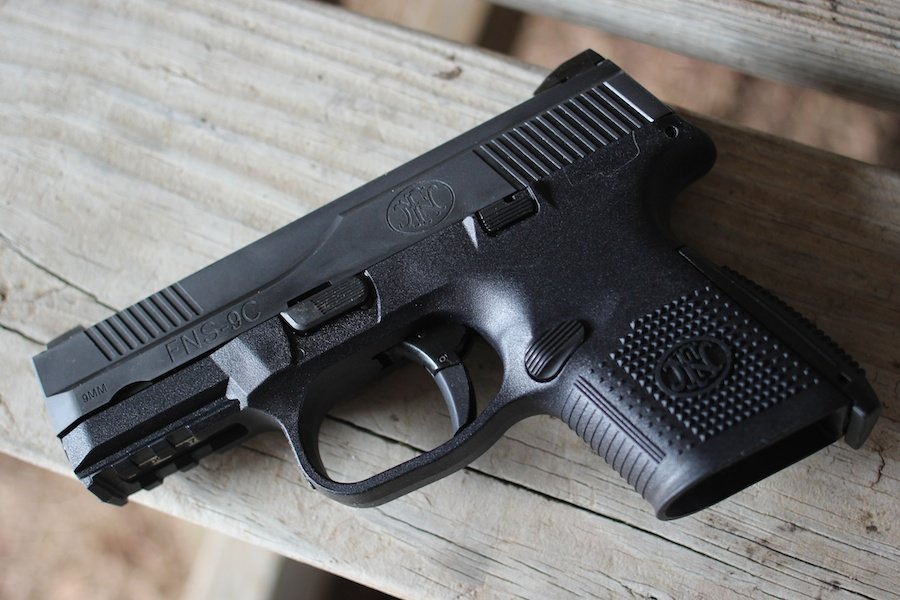 The New Fns Compact 9mm New Gun Review Gunsamerica Digest