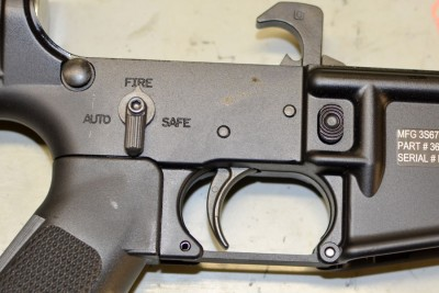 Receiver is marked auto, fire and safe sadly it will not turn to the fun position