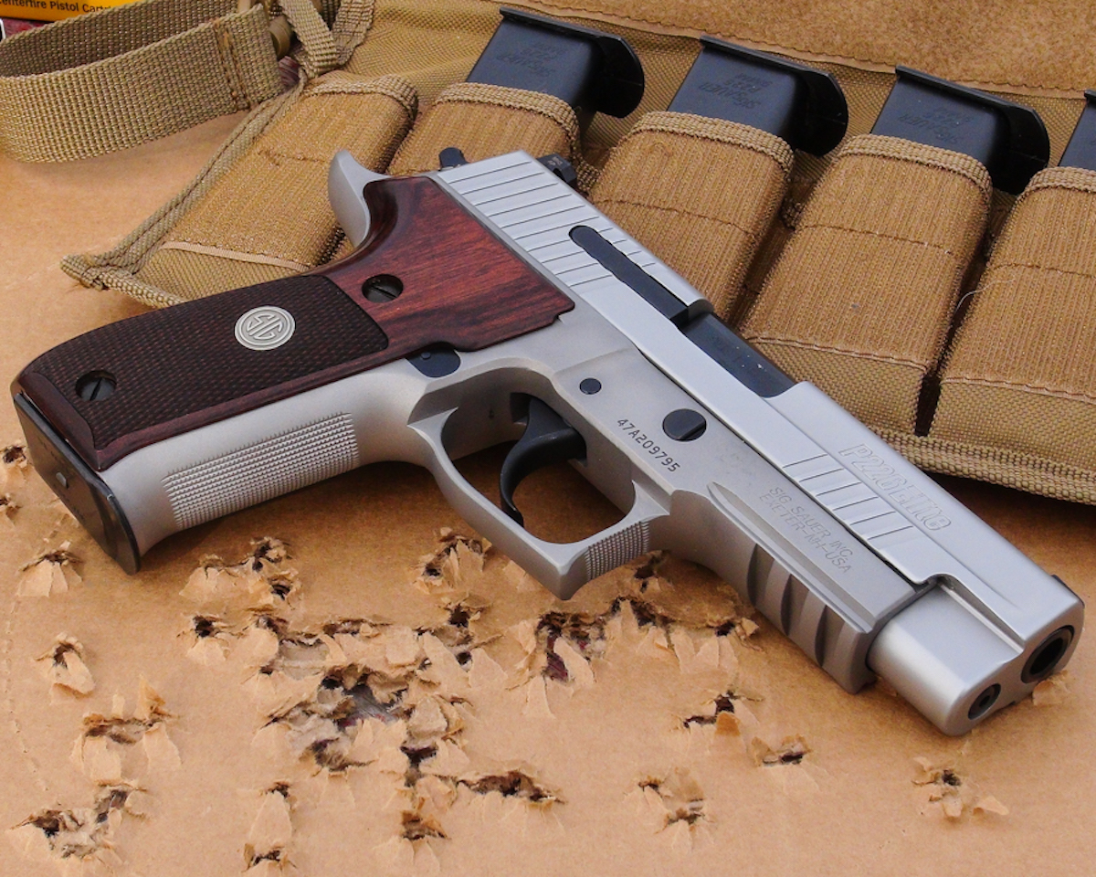 Sizzling Sig P226 Ase Ultralight 16 Round 9mm Full Review