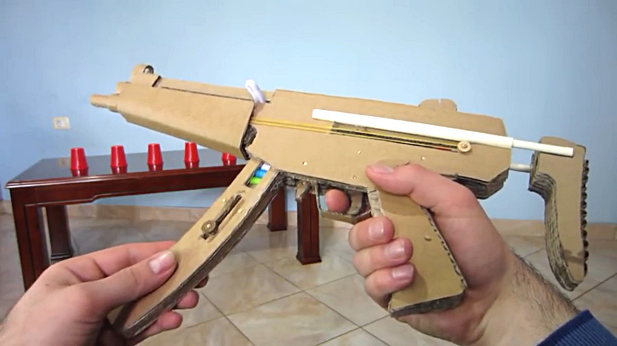 watch this working cardboard mp5 shoot paper bullets