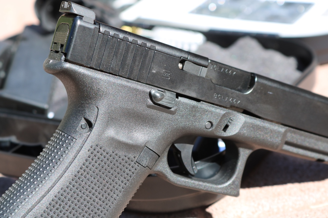 Glock 34 Gen 5 Review Out Of The Box Battle Or Race Gun Ready