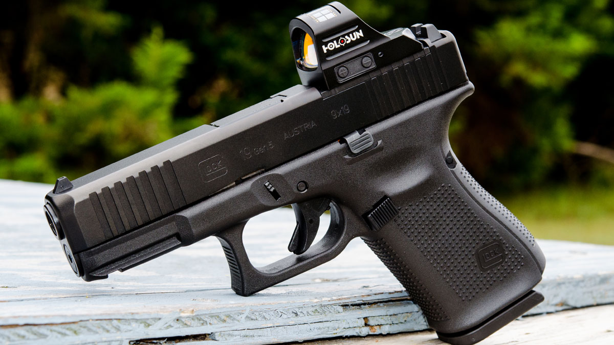 Still Champion: The New Glock 19 Gen5 MOS - GunsAmerica Digest